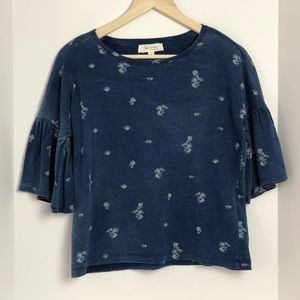 Vince Camuto navy blue top with flared sleeves XS